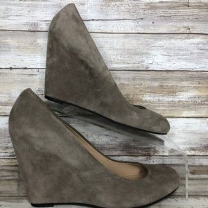 Via Spiga 7.5M Gray Suede Wedge Heel Dress Pumps